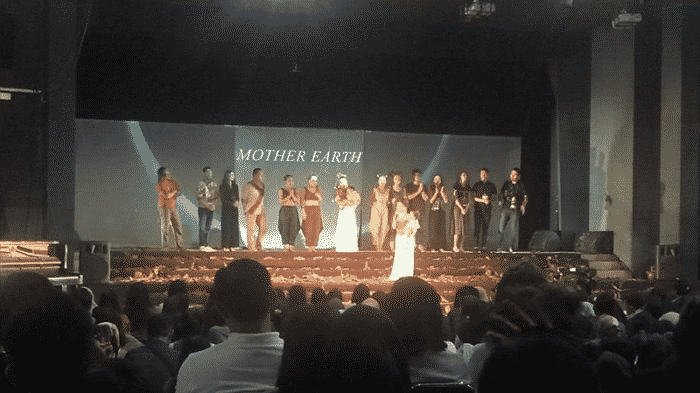 Mother Earth Sukses Pukau Penonton dengan Kolaborasi Tiga Seni