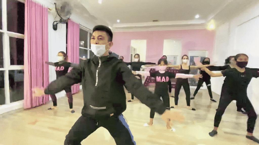 Floorwork Choreography (Bersama Eyi Lesar)